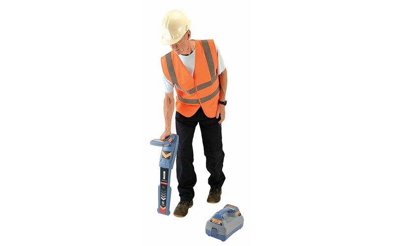 Cable, Pipe and RF Marker Locator RD7100®